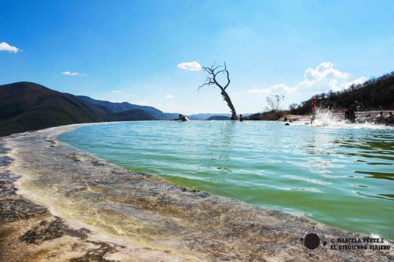 Se dice que el agua de las piscinas tienen propiedades curativas gracias a los minerales que contienen ©Marcela Pérez Z.