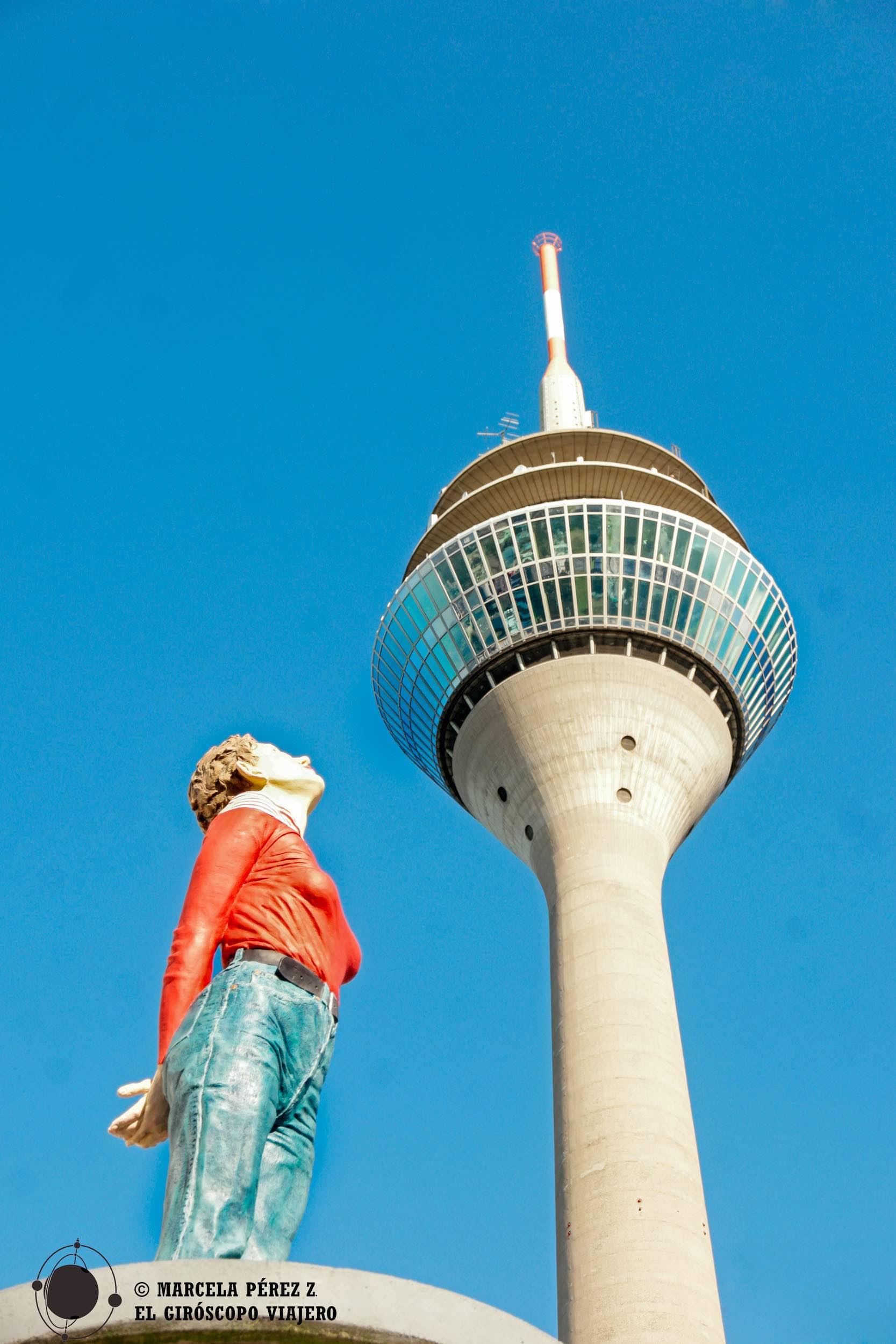 Figuras curiosas extendidas por la ciudad, parece que ésta se ha quedado maravilla con la Rhine Tower ©Marcela Pérez Z.