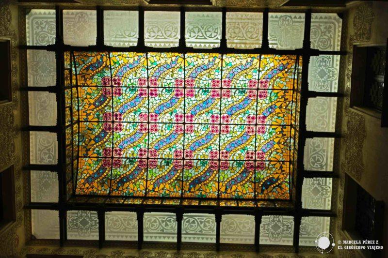 Claraboya vitral de Espinagosa en el vestíbulo de Casa Amatller
