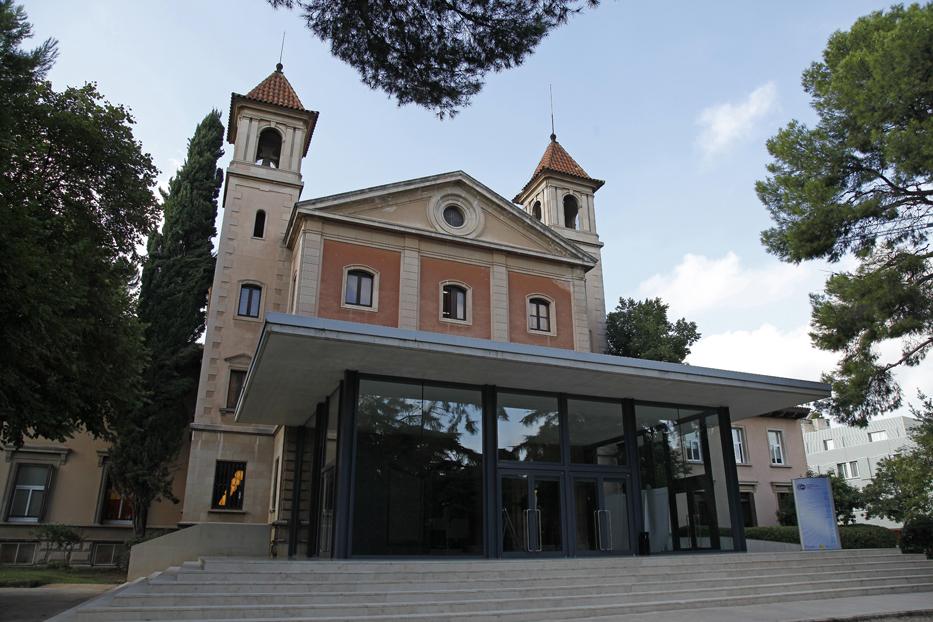 Iglesia de Torre girona, sede del centro de supercomputación de Barcelona