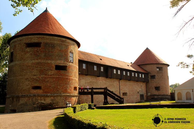 Castillo de Sissak que fue relevante en la resistencia ante el avance del Imperio Otomano en Europa central