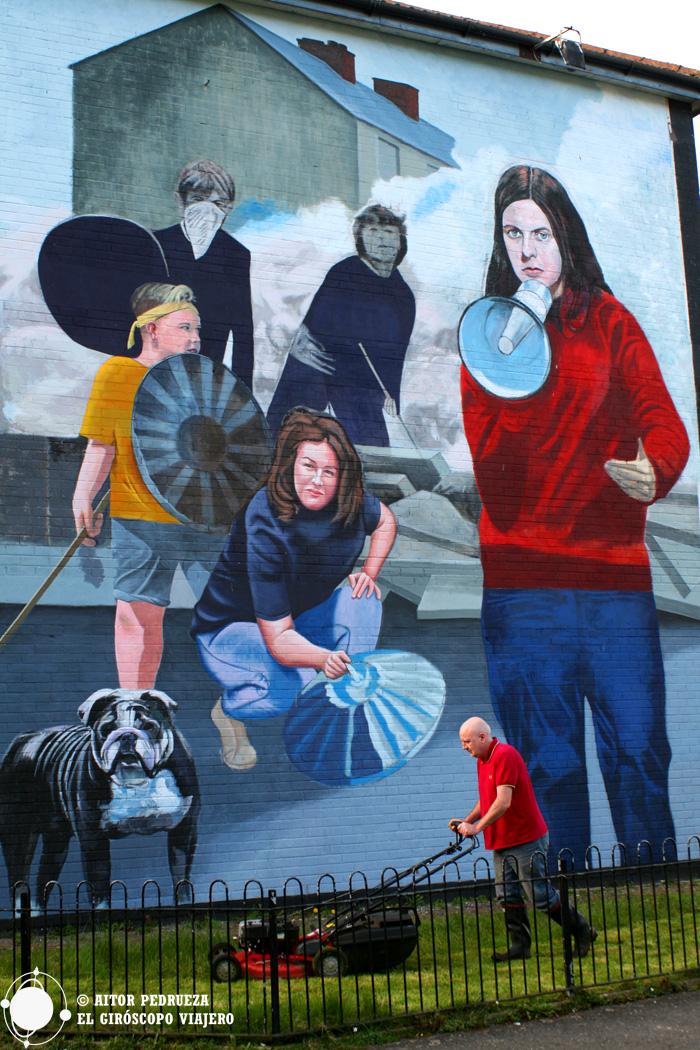 Mural en el barrio de Bogside de Derry, Irlanda del Norte