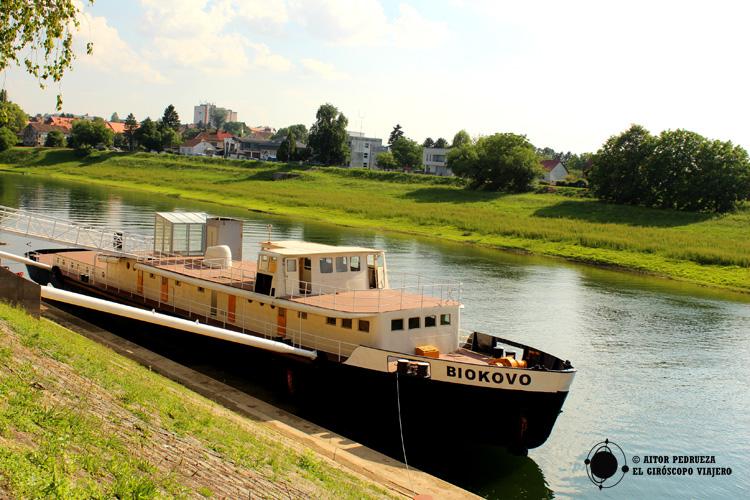 Sisak abierta al río Kolpa