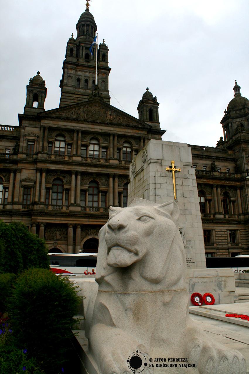 George's Square con el ayuntamiento detrás