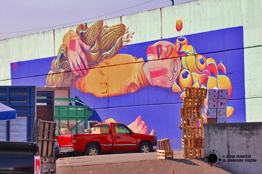 Murales en el exterior de la Central de Abastos