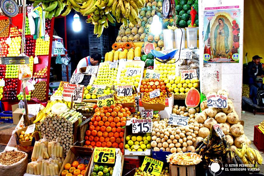 Puesto en el mercado de la Central de Abastos de Ciudad de México