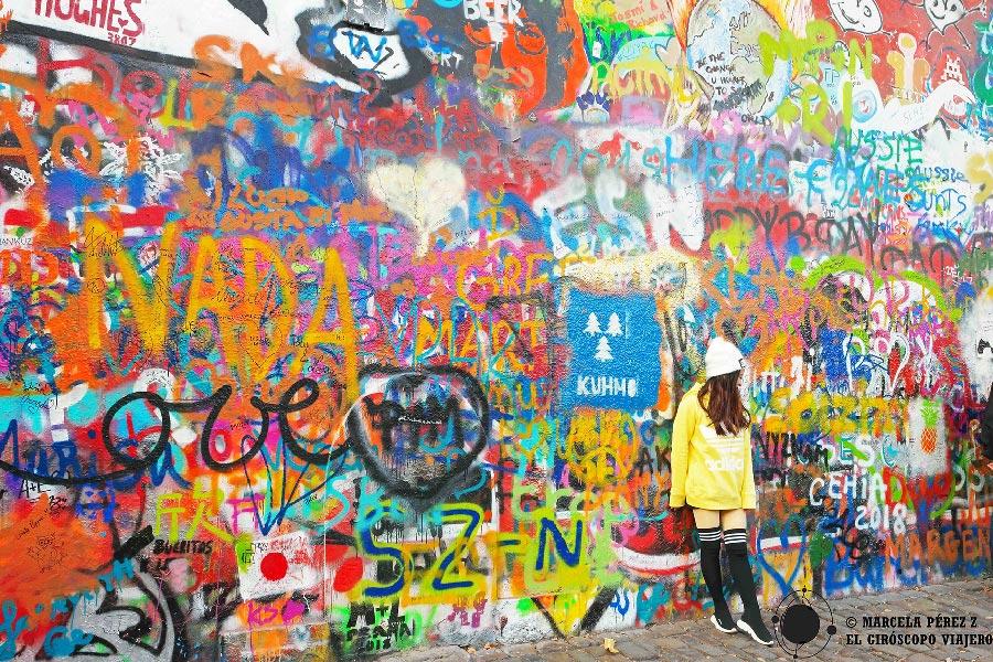 Muro de Jhon Lennon en Praga