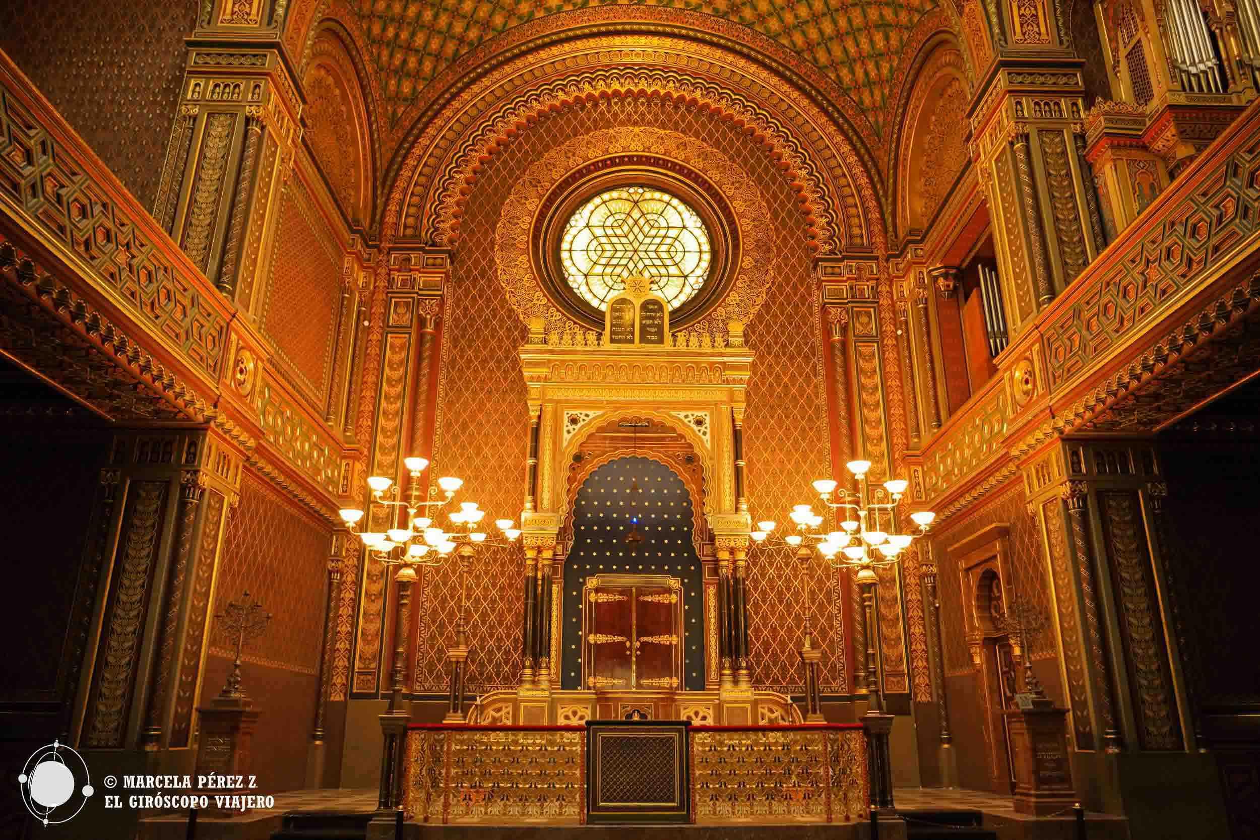 Interior de la Sinagoga Española en Praga