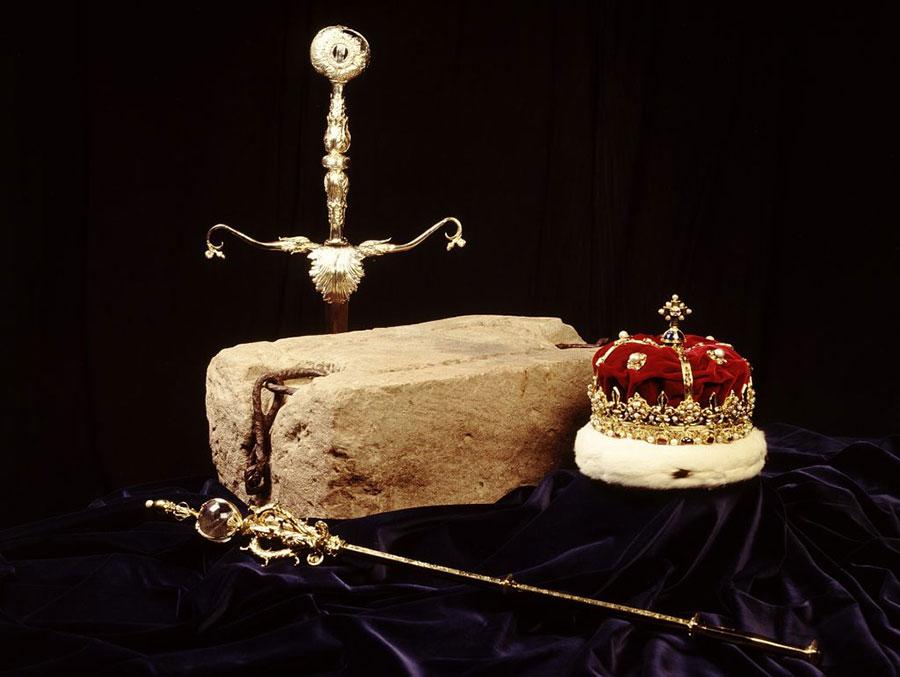 Honores de Escocia y Piedra del destino