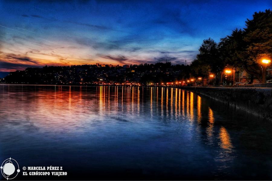 La ciudad brilla también con el manto de la noche sobre sí ©Marcela Pérez Z.
