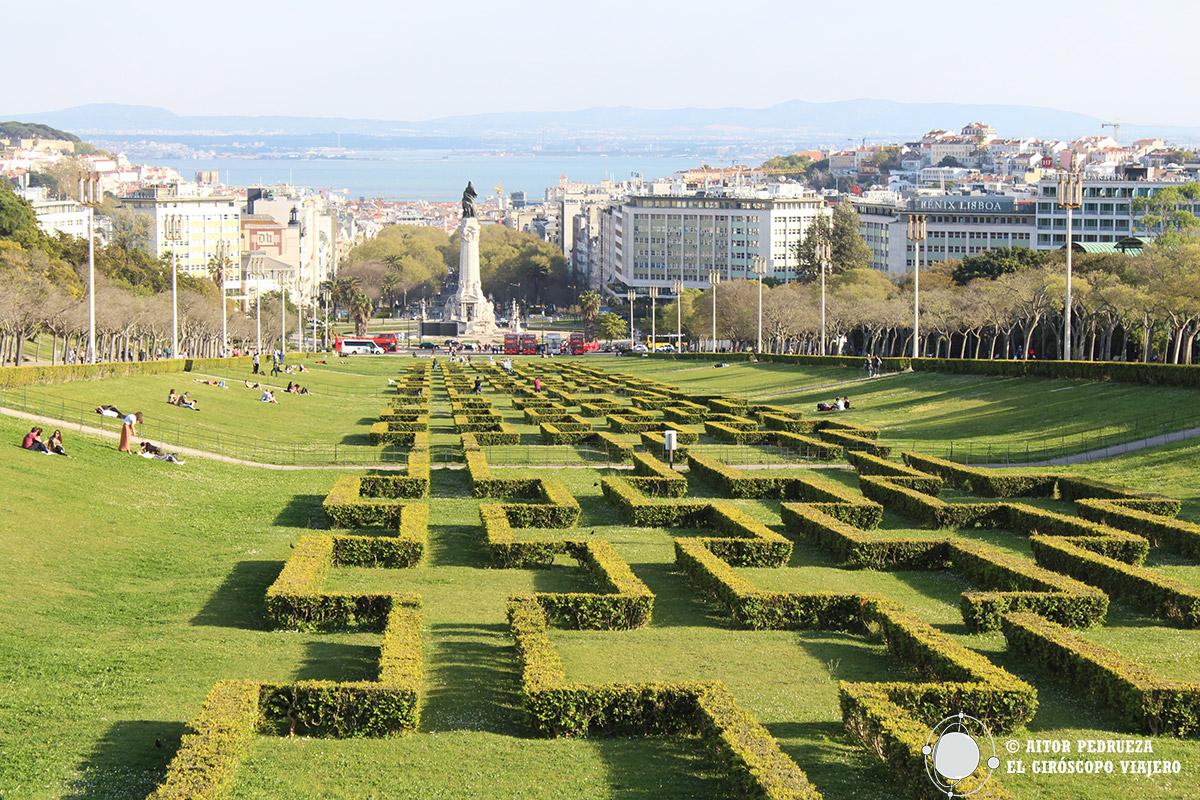 Vistas panorámicas de Lisboa desde los jardines delParque Eduardo VII