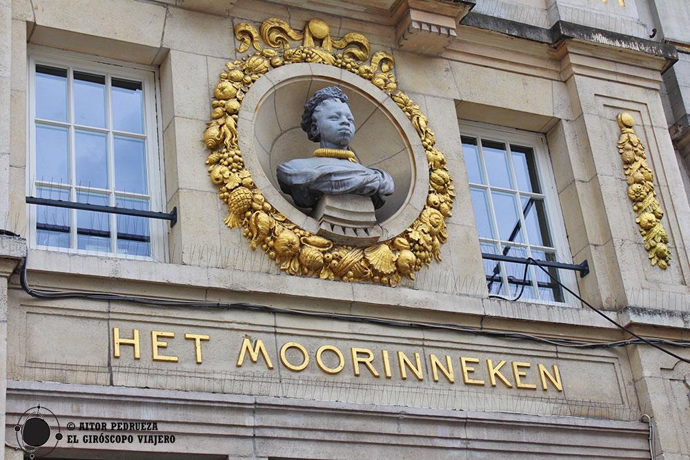 Edificio Het Moorinneken en la plaza Grote Markt