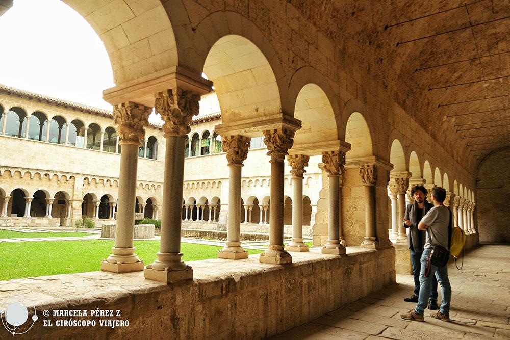 Visita al claustro del Monasterio de Sant Cugat