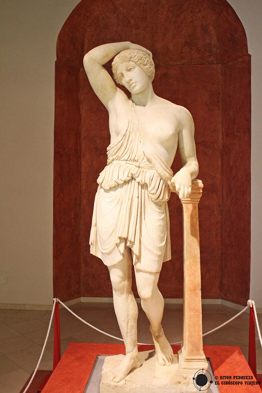 Escultura romana de la Amazona herida en Écija