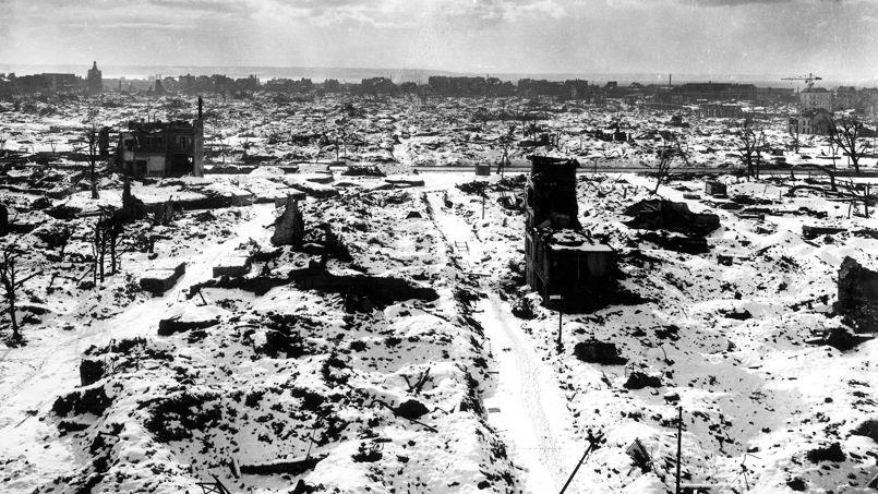Paisaje desolador de le Havre meses después de ser destruido por los bombardeos