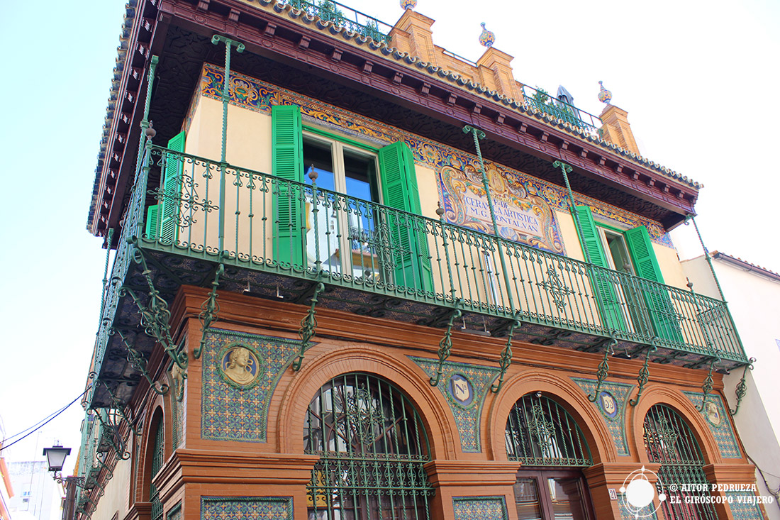 Edificio Triana Montalván en el corazón del barrio popular de Sevilla