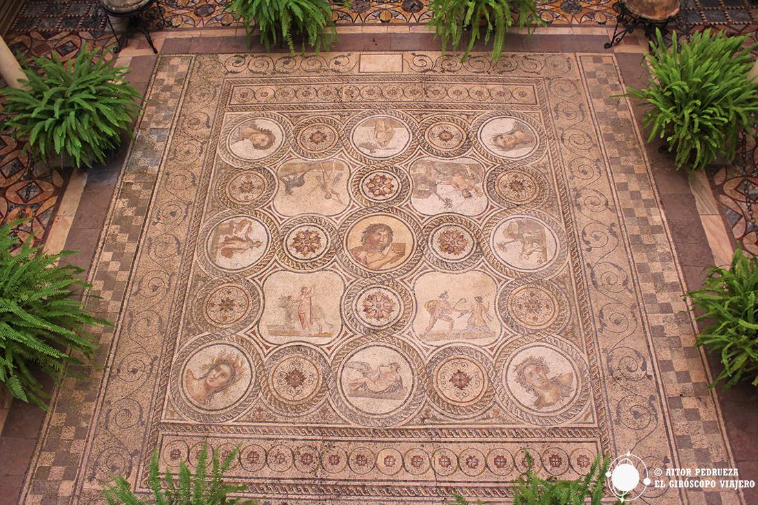 Mosaicos del yacimiento romano de Italica en el Palacio de la Condesa de Lebrija