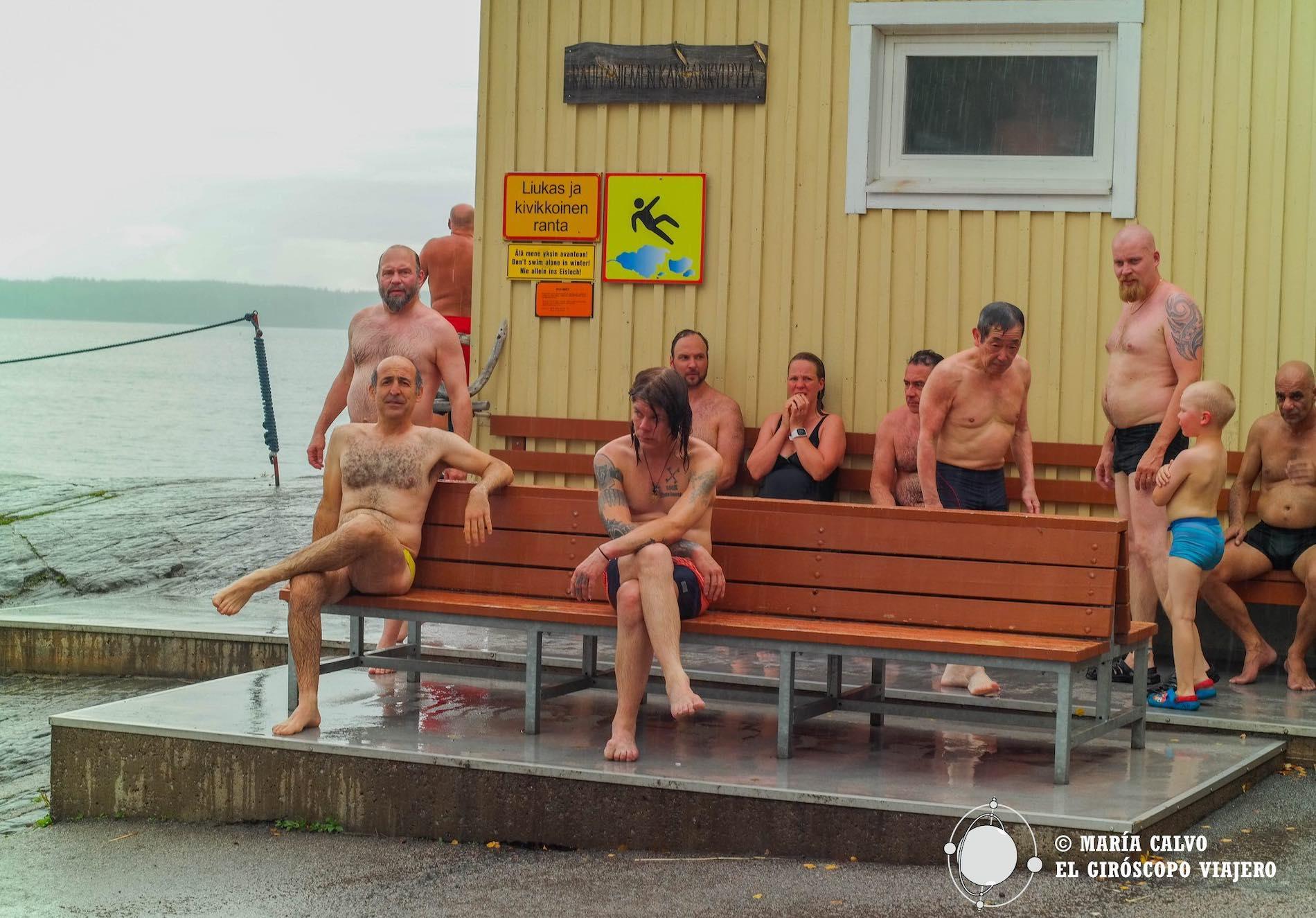 PD: La foto de la portada viene de la sauna publica de Rauhaniemi en Tampere, una de las que más nos gusta.
