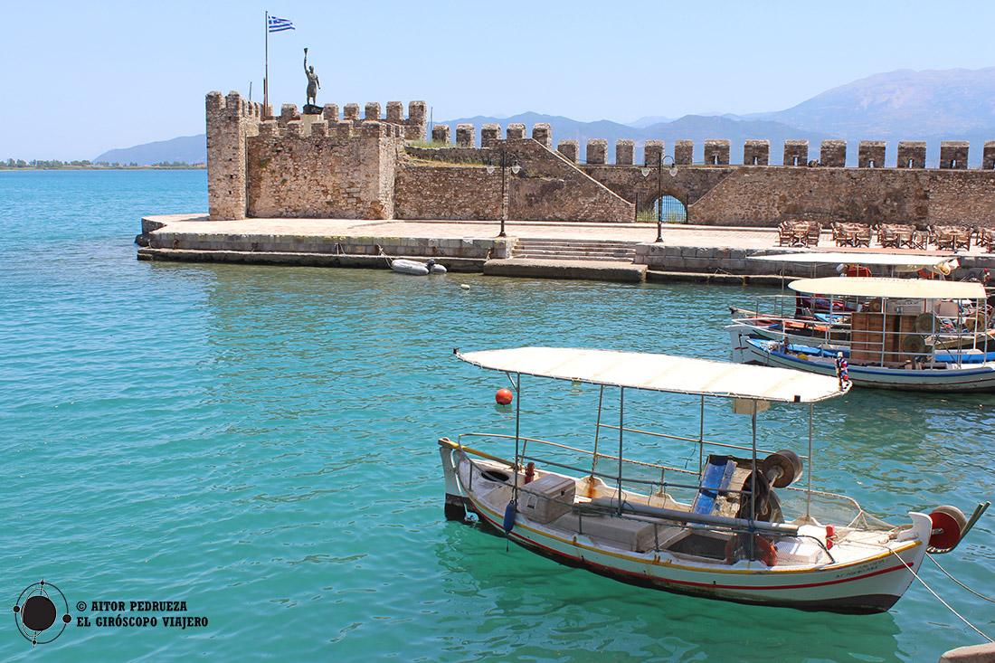 El puerto de la ciudad griega de Lepanto