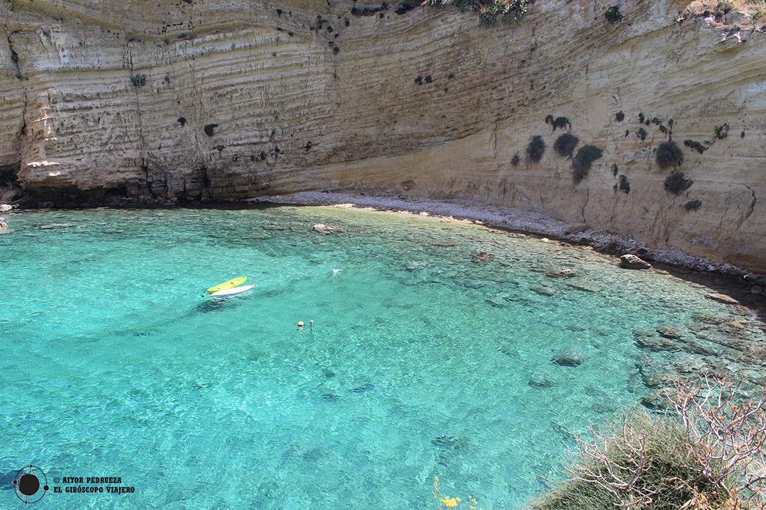 Playa de Mezapos, ideal para un baño rápido en las aguas del Peloponeso