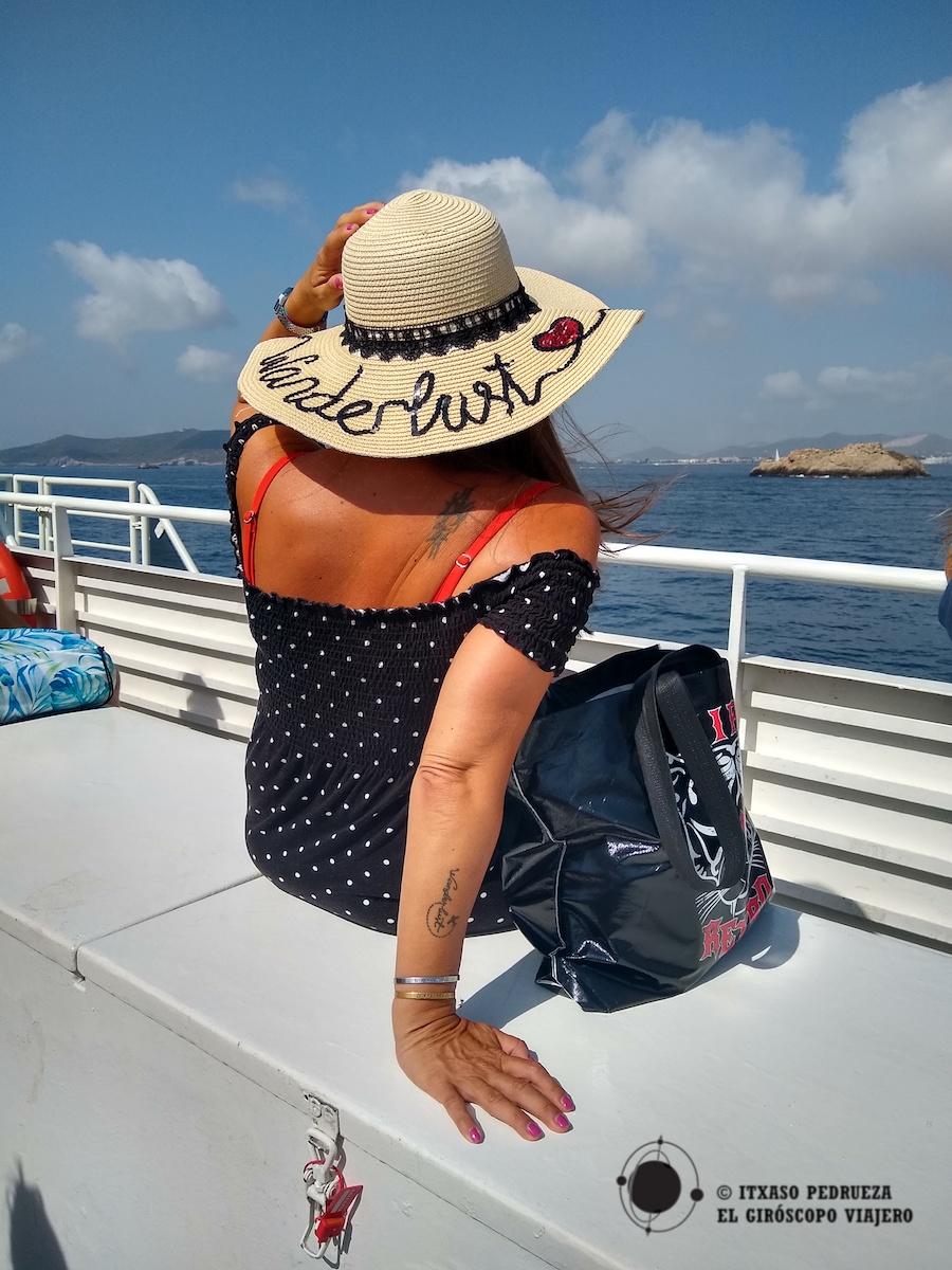 Disfrutando del ferry y con ganas de llegar a Formentera