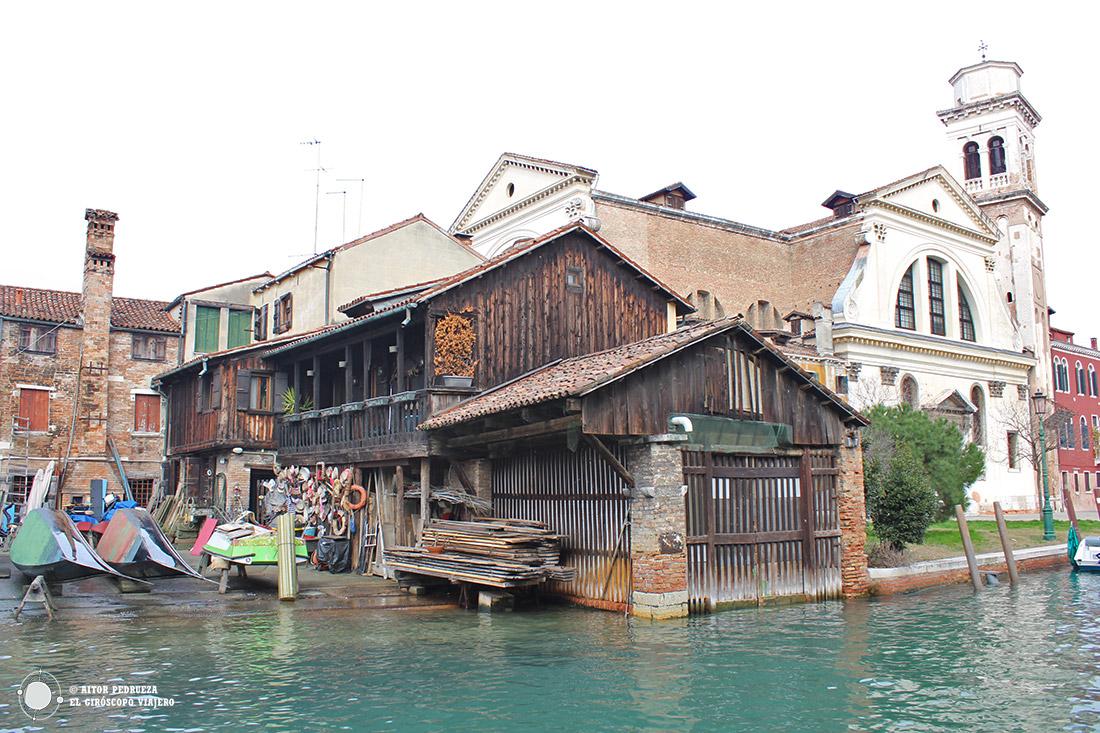 Squaro di San Trovaso en Venecia