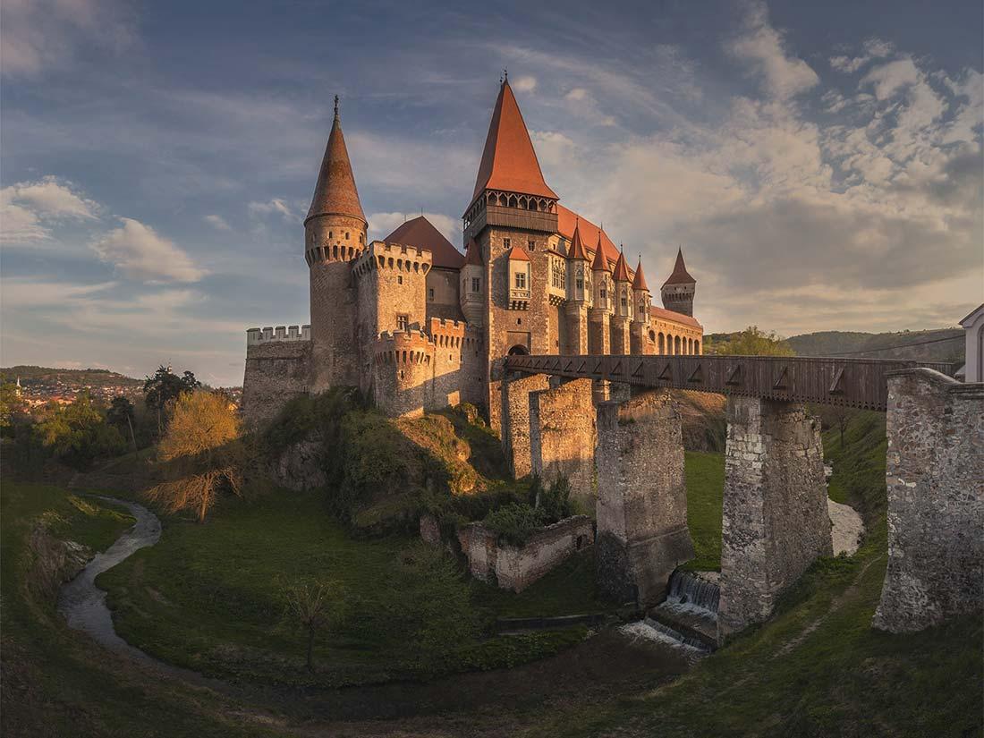 Castillo de Huneadora en la Transilvania de Rumanía