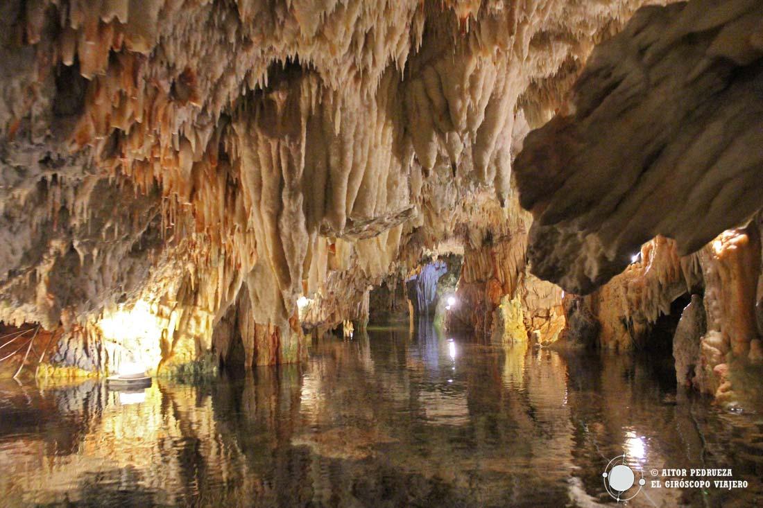 Cueva de Vlichada en Diros