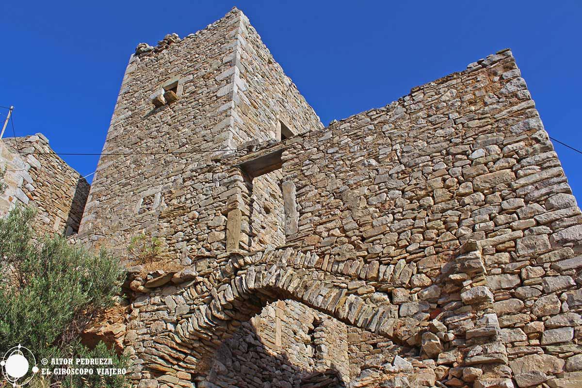 Casa Torre del pueblo de Vathia en el Peloponeso