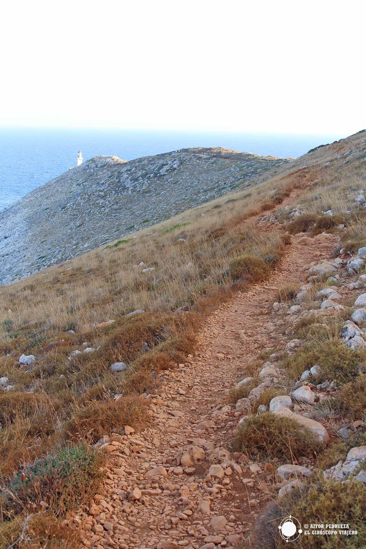 Parte del trekking hacia el Cabo Tenaro