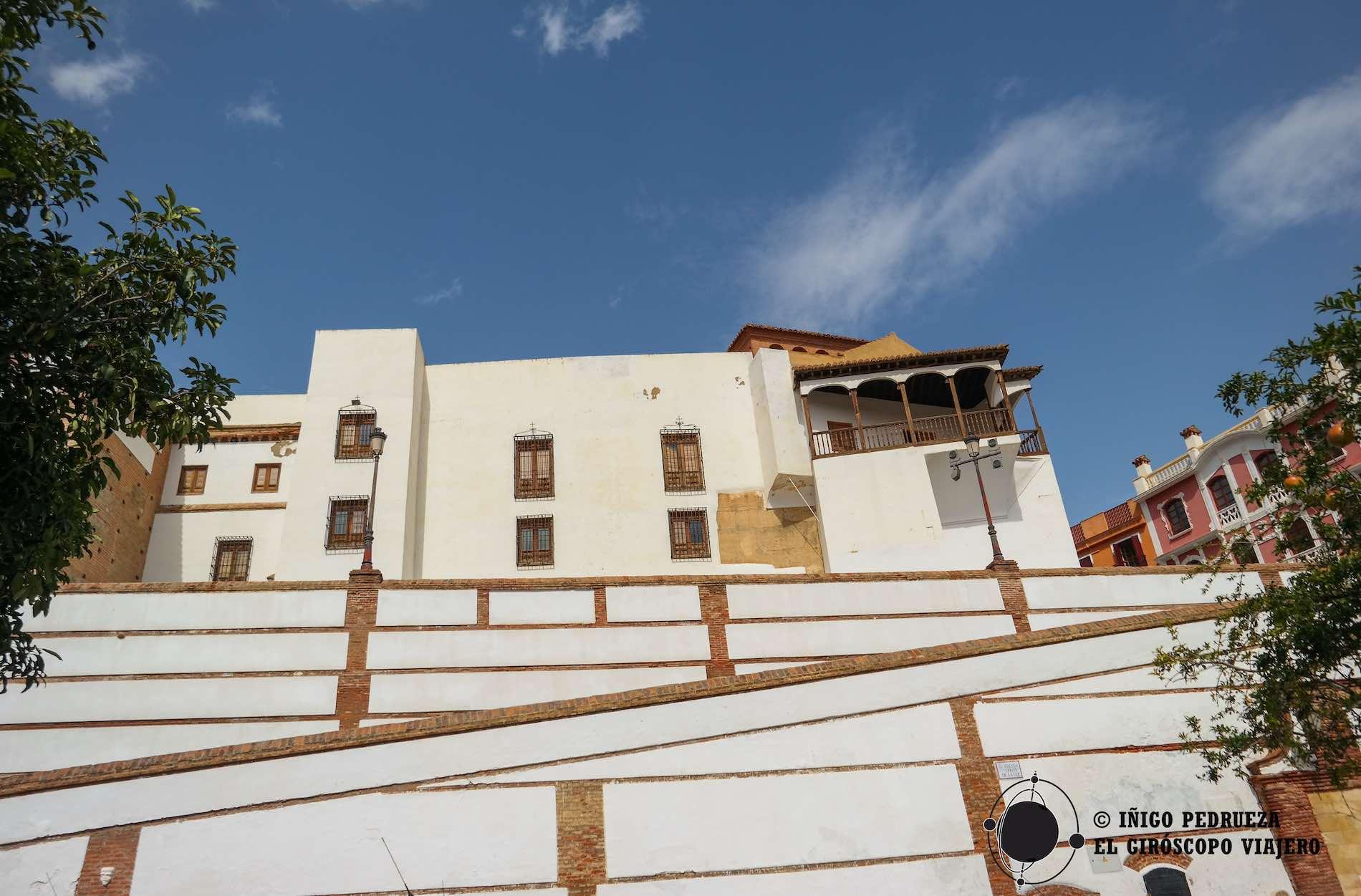 Cinematográfica escalera junto al Palacio de Pañaflor