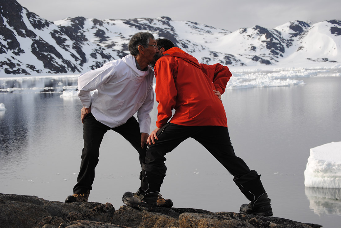 Duelo cantado con Anda Kuitse. Groenlandia (2015). Foto de Guille Cascante