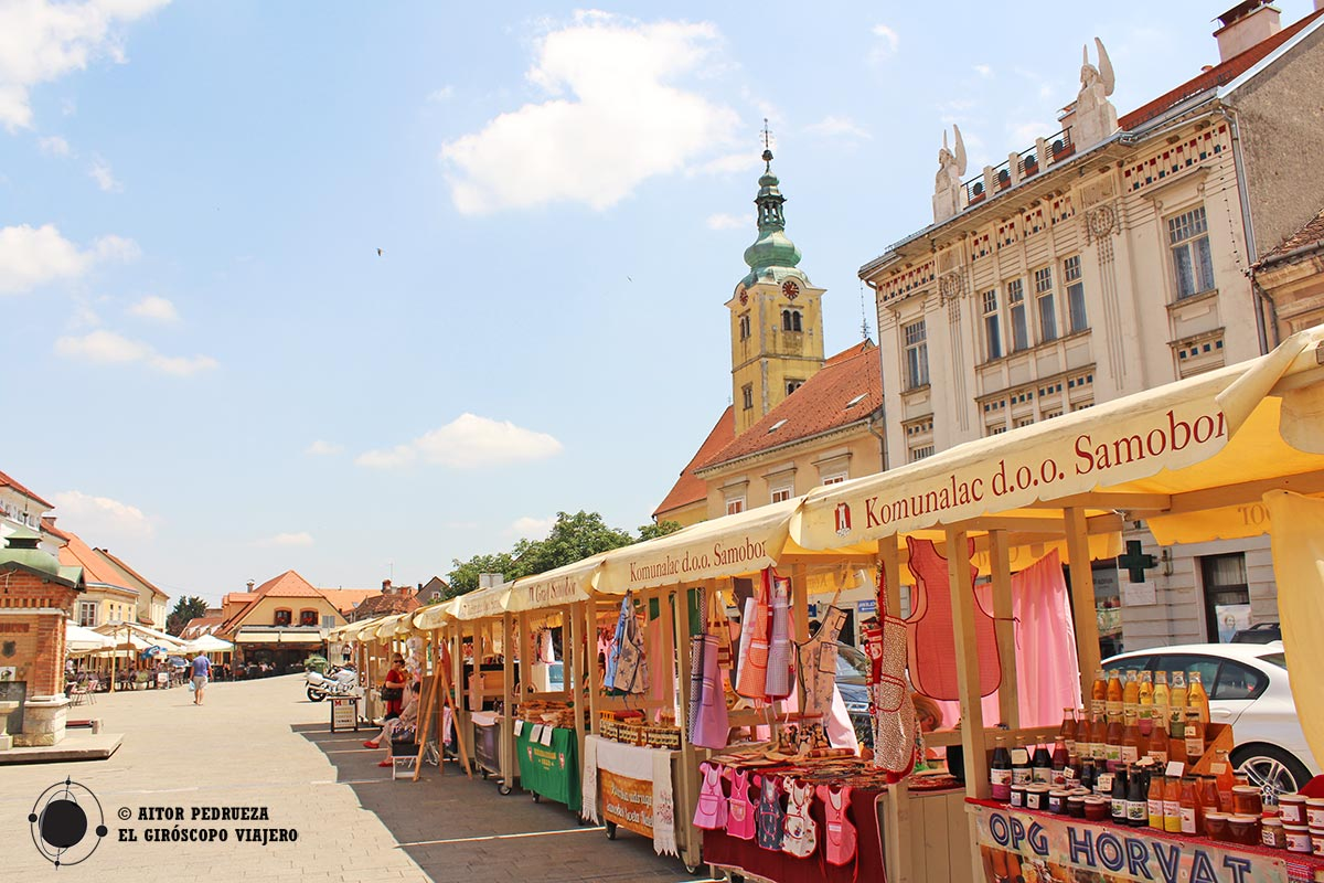 Plaza de Tomislav con la iglesia de San Anastasia al fondo
