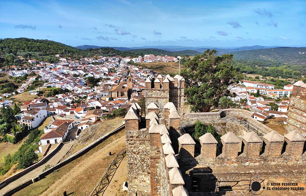 Vista del pueblo de Cortegana desde el castillo