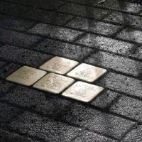Proyecto Stolpersteine, manteniendo la memoria viva