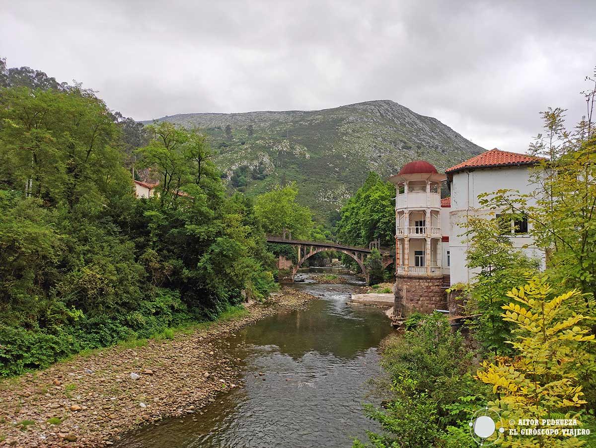 Puente junto al balneario de Caldas de Besaya