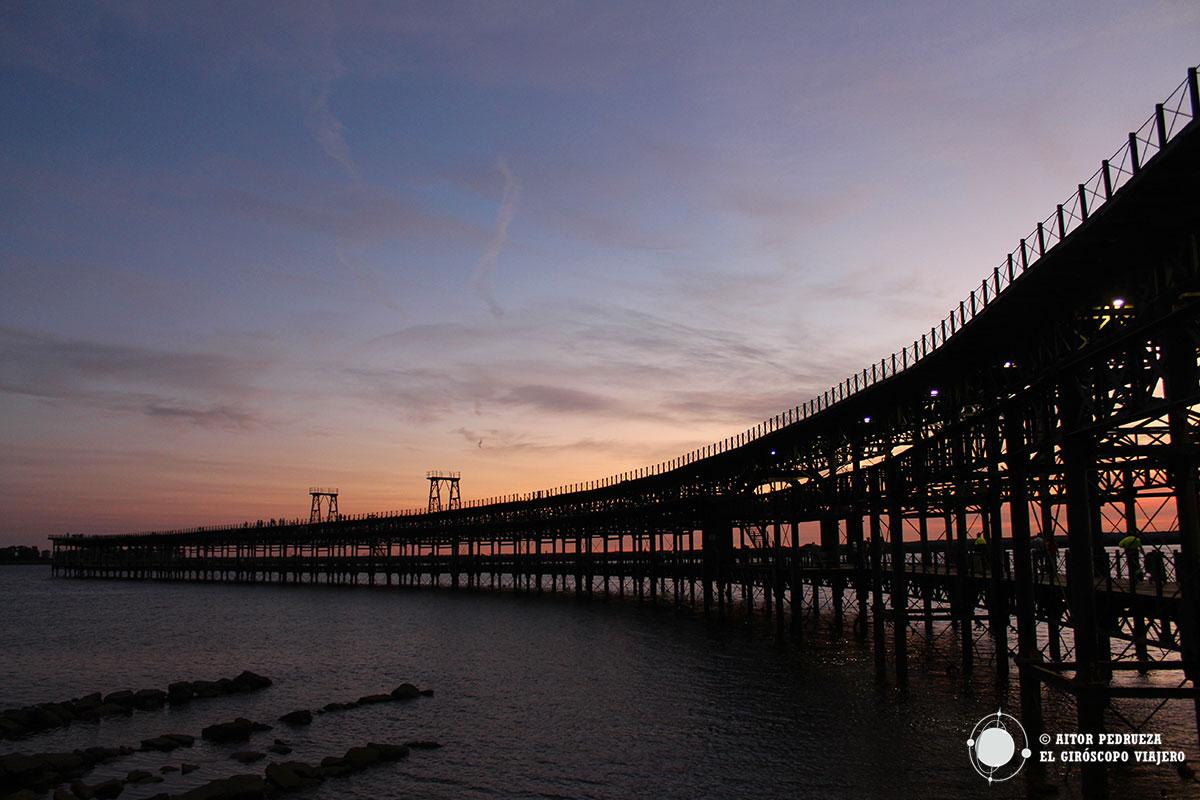 Atardecer en el Muelle de Rio Tinto en Huelva