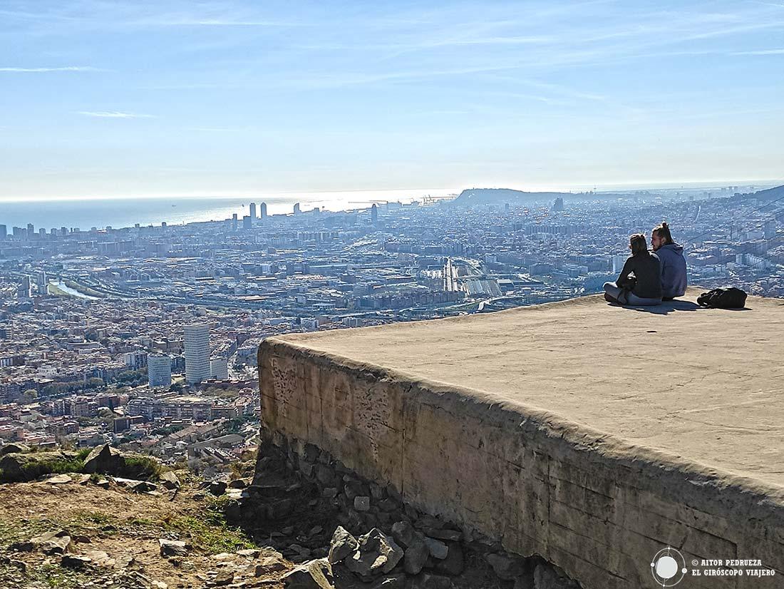 Panorámica del mar y Barcelona desde el poblado íbero.