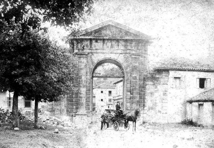 Arco de Acceso a la Real Fábrica de Artillería de la Cavada