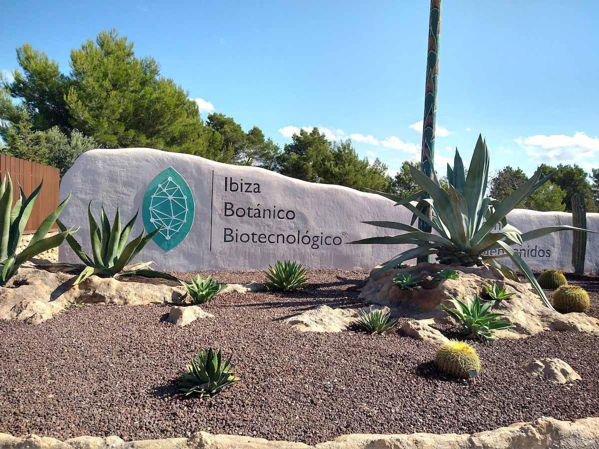 Entrada del Botánico Biotecnológico de Ibiza