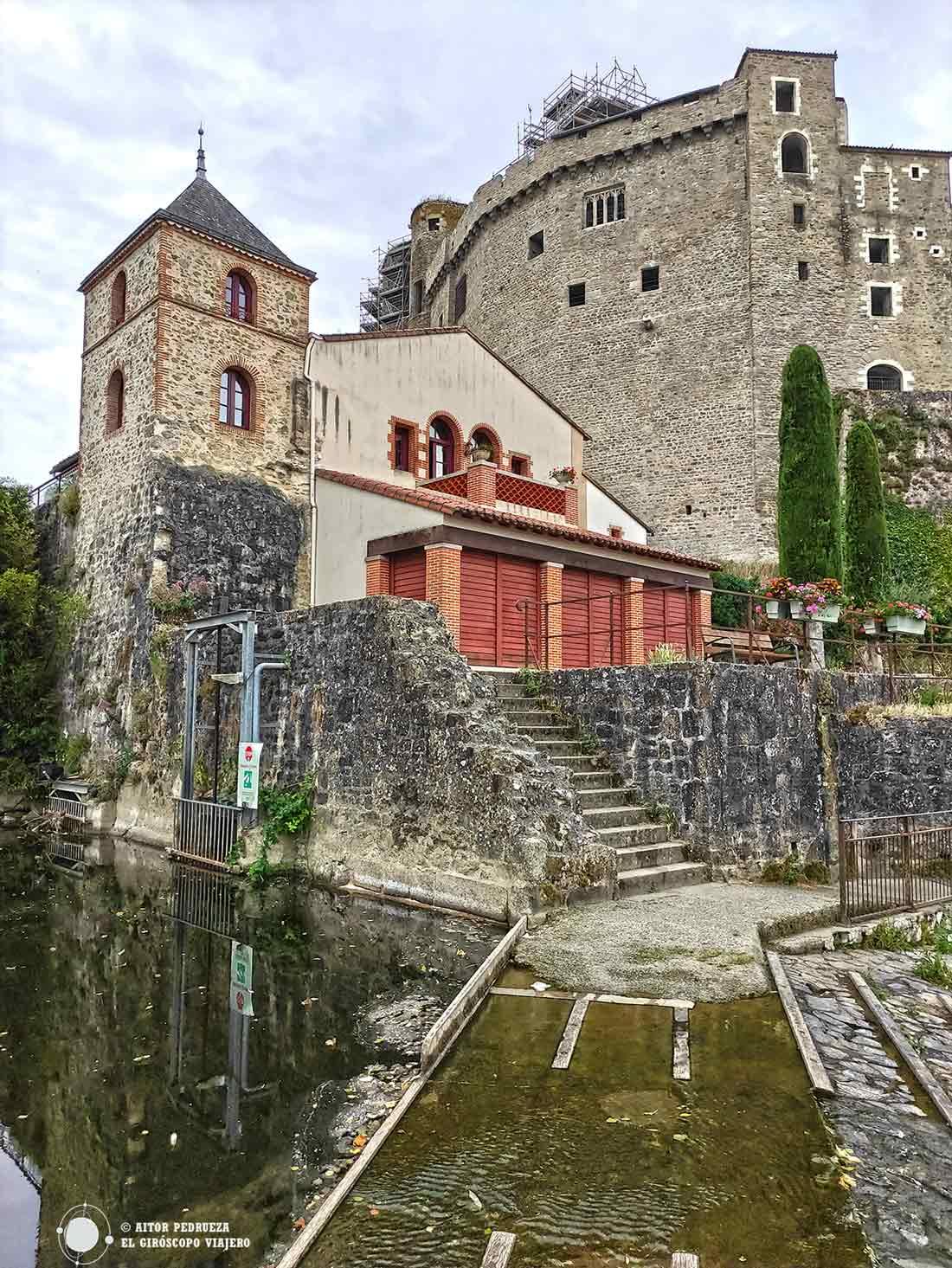 Molino de Gervaux bajo el castillo de Clisson