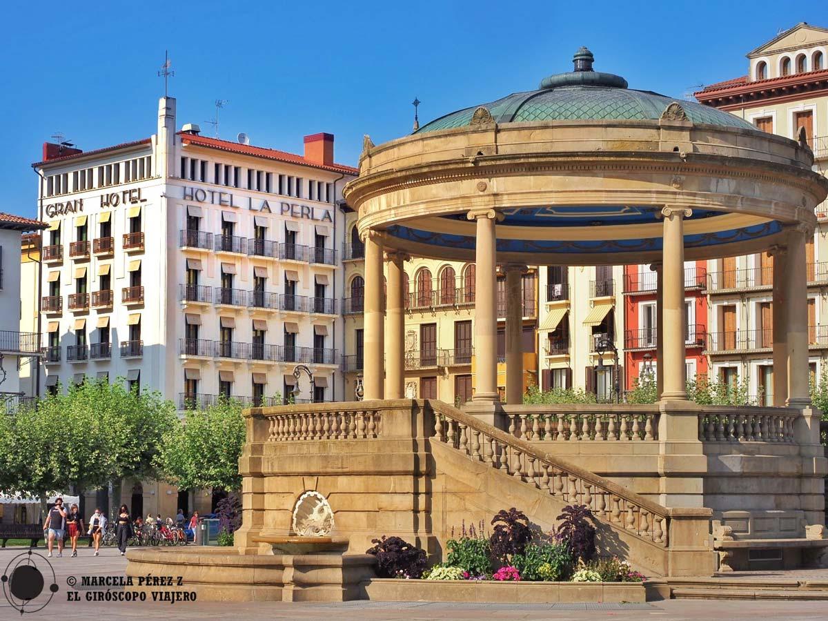 La animada Plaza del Castillo de Pamplona
